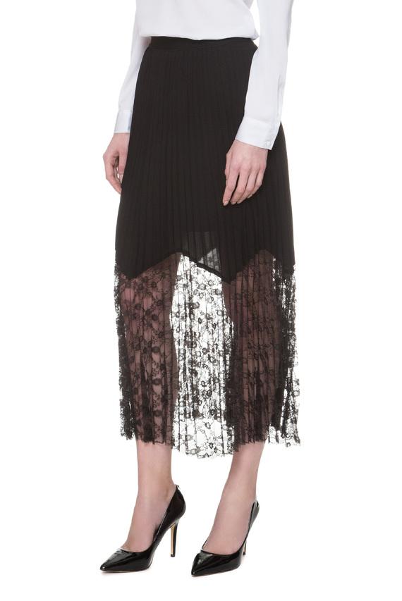 Женская черная плиссированная юбка