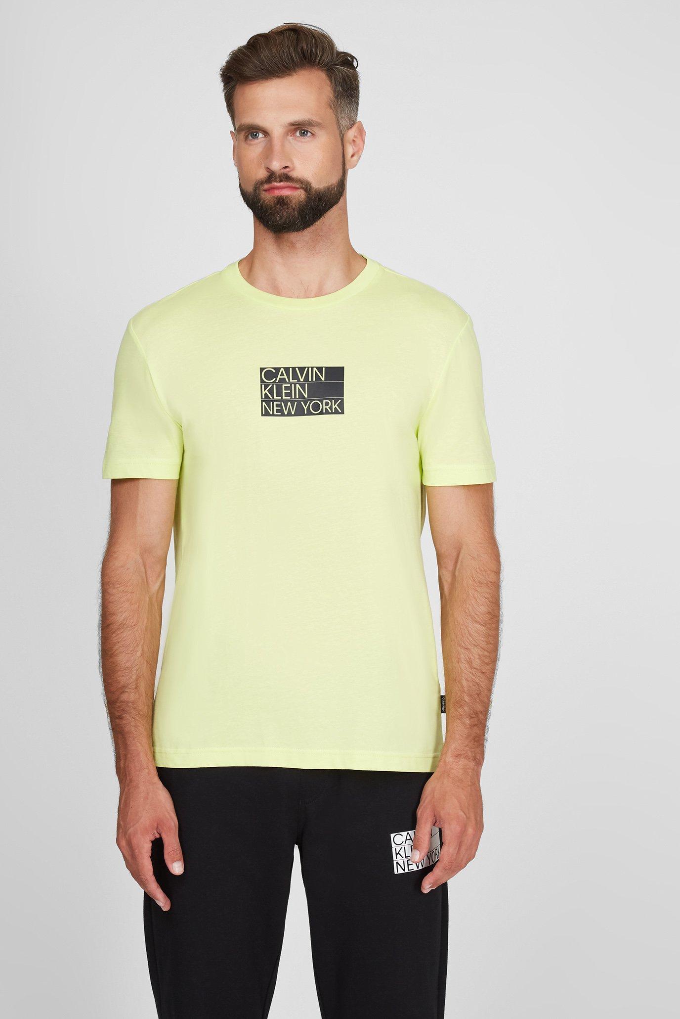 Мужская салатовая футболка GRAPHIC CHEST LOGO 1