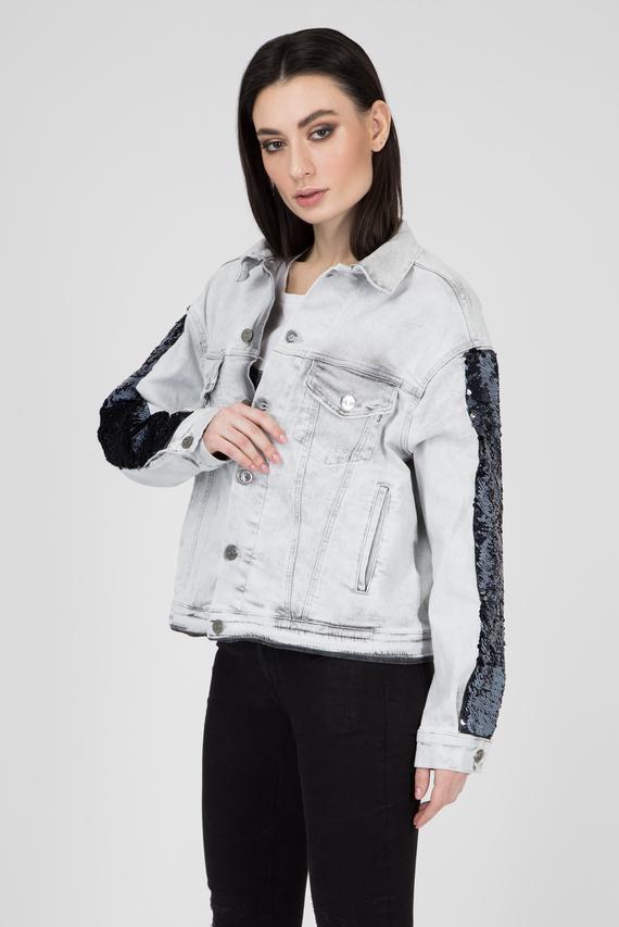 Женская светло-серая джинсовая куртка