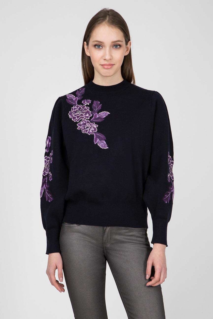 Женский темно-синий свитер с вышивкой